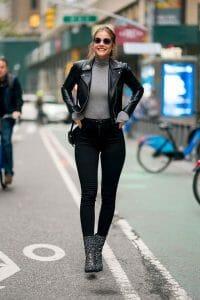 estilo rockero con jeans negros